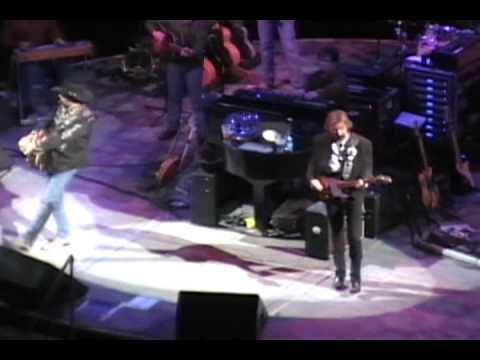 "Brooks and Dunn live ""Building Bridges"""