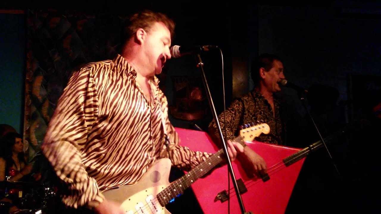 Red Elvises Let me see you Belly Dance! - YouTube