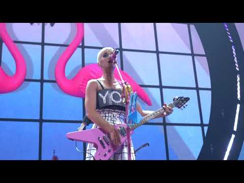 Katy Perry  Hot N Cold: Witness: The Tour Opening Night in Mtreal 09192017