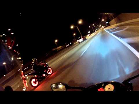 Bike Night at Hooters S.Florida and a GSXR with beautiful LED's setup