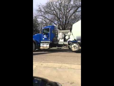 (Original) Ready mix concrete truck police chase-minnesota