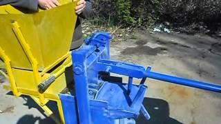 Станок для производства кирпича ЛЕГО в Украине.(, 2015-04-30T10:03:50.000Z)