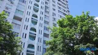 Героев Днепра, 23 Киев видео обзор(Улица Героев Днепра, 23. 16-этажный панельный дом 1982 года постройки. Единственное парадное в здании поддержив..., 2014-09-15T15:26:38.000Z)