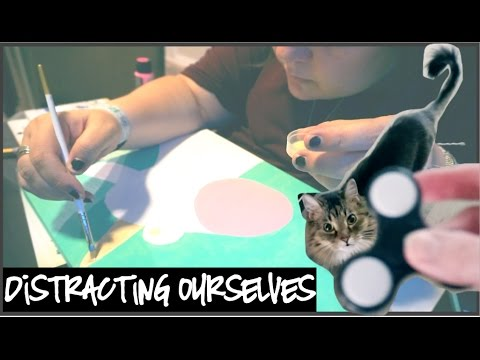ART THERAPY AND CAT FIDGET SPINNER TRICKS | WatersWife