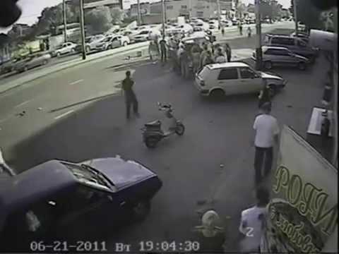 Tai nạn xe cấp cứu kinh hoàng.flv