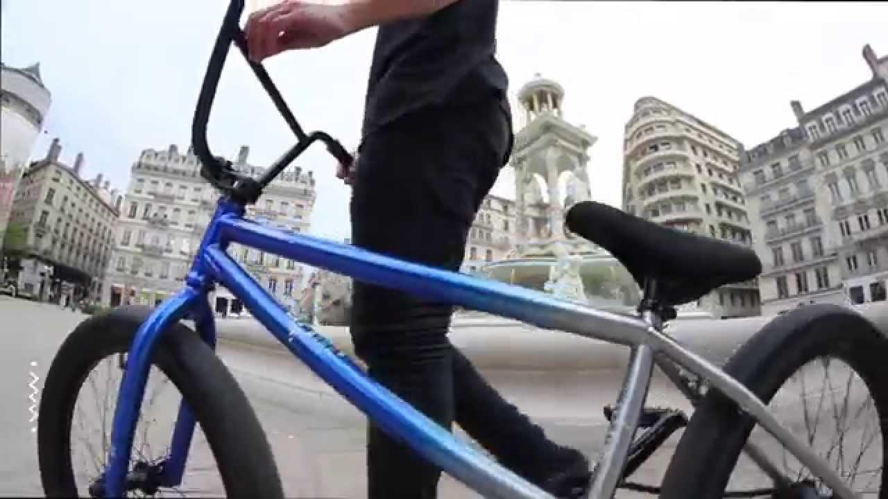 WETHEPEOPLE Reason Complete Bike Test / Maxime Charveron - YouTube