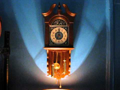 1970s Spartus Electric Wall Clock 1974 Chime Youtube