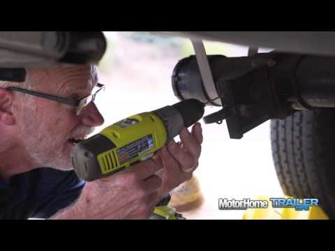 make-me-rv-smart:-lubricating-rv-sewer-valves