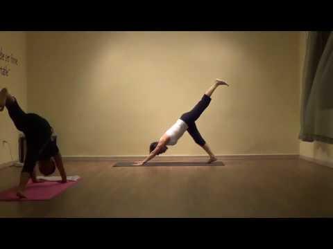 Hatha con Jazmin de Sthira Yoga en yogaenlinea.com