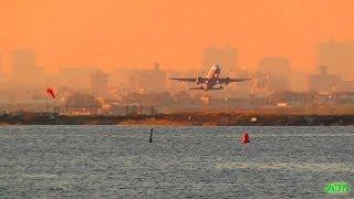 Airport Timelapse | Beautiful Sunset at LaGuardia, New York