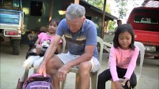 2 KIDS WHO WALK 5 KLM TO SCHOOL RECEIVES BALIKABAYAN BOX THANKS  PEPS