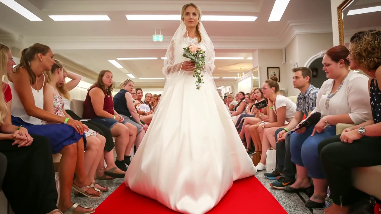 2bec8da690a Recap der Bridal Fashion Show 2019 von Laue Festgarderobe - YouTube