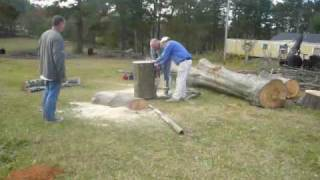 Making Slab Lumber With a Chainsaw.wmv