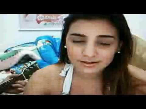 Fernanda cantando pra Kari(L)