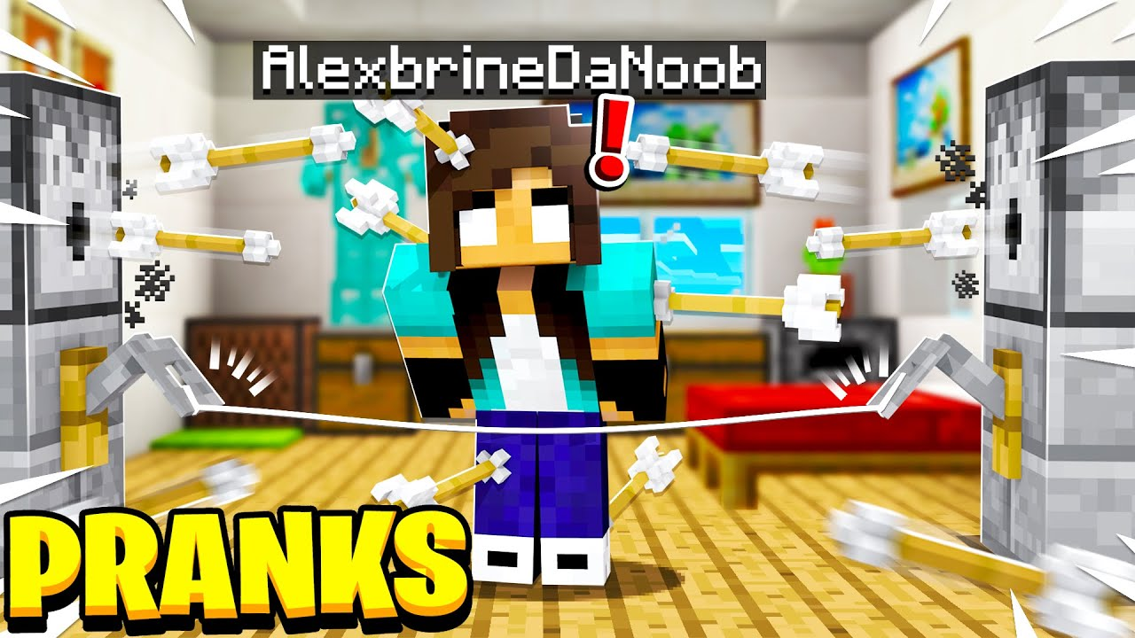 noob Girl PRANKS Pro in Minecraft!?!