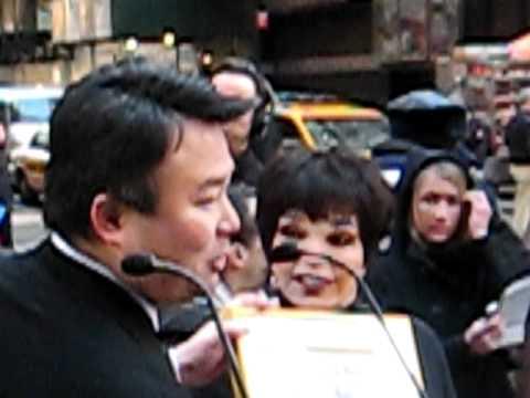 Liza Minnelli NY Gray Line Ride Of Fame Bus March  8, 2011