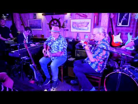 Jolly Jumper & Big Moe With Jimbo Jambo Band