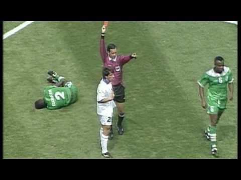 Italia-Nigeria 2-1, l'espulsione di Zola