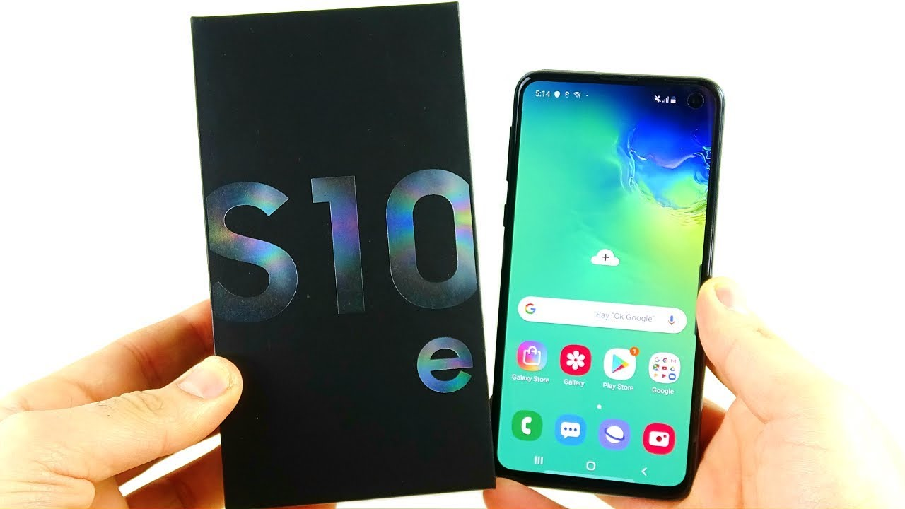 Samsung Galaxy S10e Unboxing! - YouTube