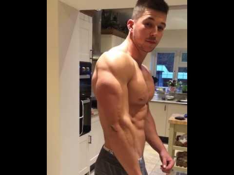 Craig Morton flexing 1