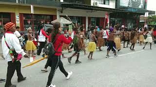 karnaval semua suku bangsa indonesia. menyanmbut 17 agustus 20…