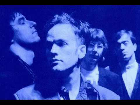 1. R.E.M. Finest Worksong, Live 1987, Muziekcentrum, Utrecht, Holland