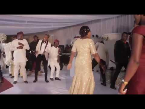 Woli Agba's wedding. Dancing competition.