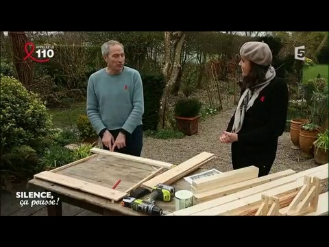 do it yourself fabriquer un tabli de jardin youtube. Black Bedroom Furniture Sets. Home Design Ideas