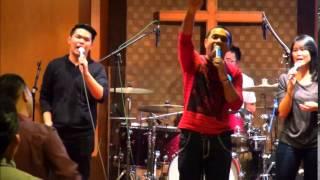 Ada Kuasa Dalam Pujian - Covered by Nikki ( One in Love Band 2014)