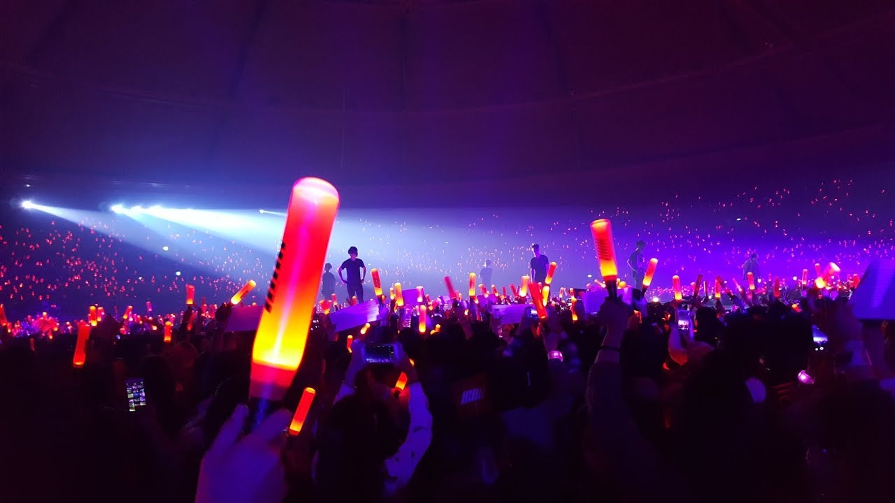 Znalezione obrazy dla zapytania kpop concert