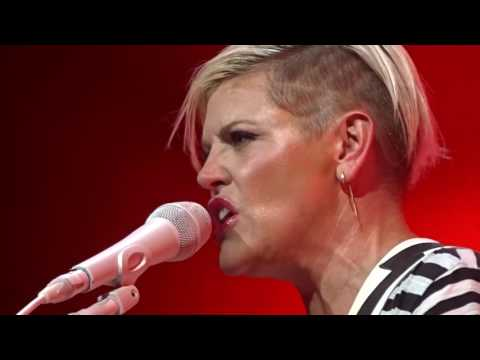 DIXIE CHICKS CHARLOTTE 8/13/2016 NOT READY TO MAKE NICE