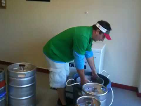 how to get beer out of a keg without tap