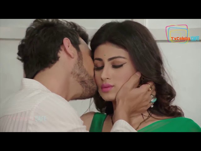 Mouni Roy Hot in Backless Saree