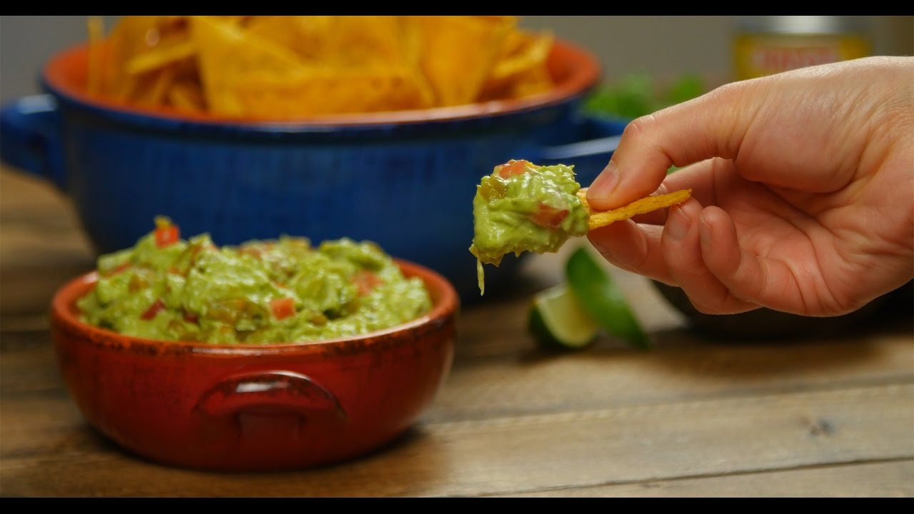 How to Make Tangy Guacamole