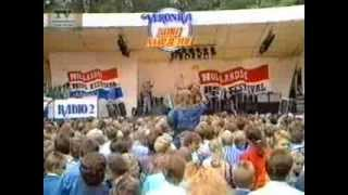 Manke Nelis - Kleine Jodeljongen (live)