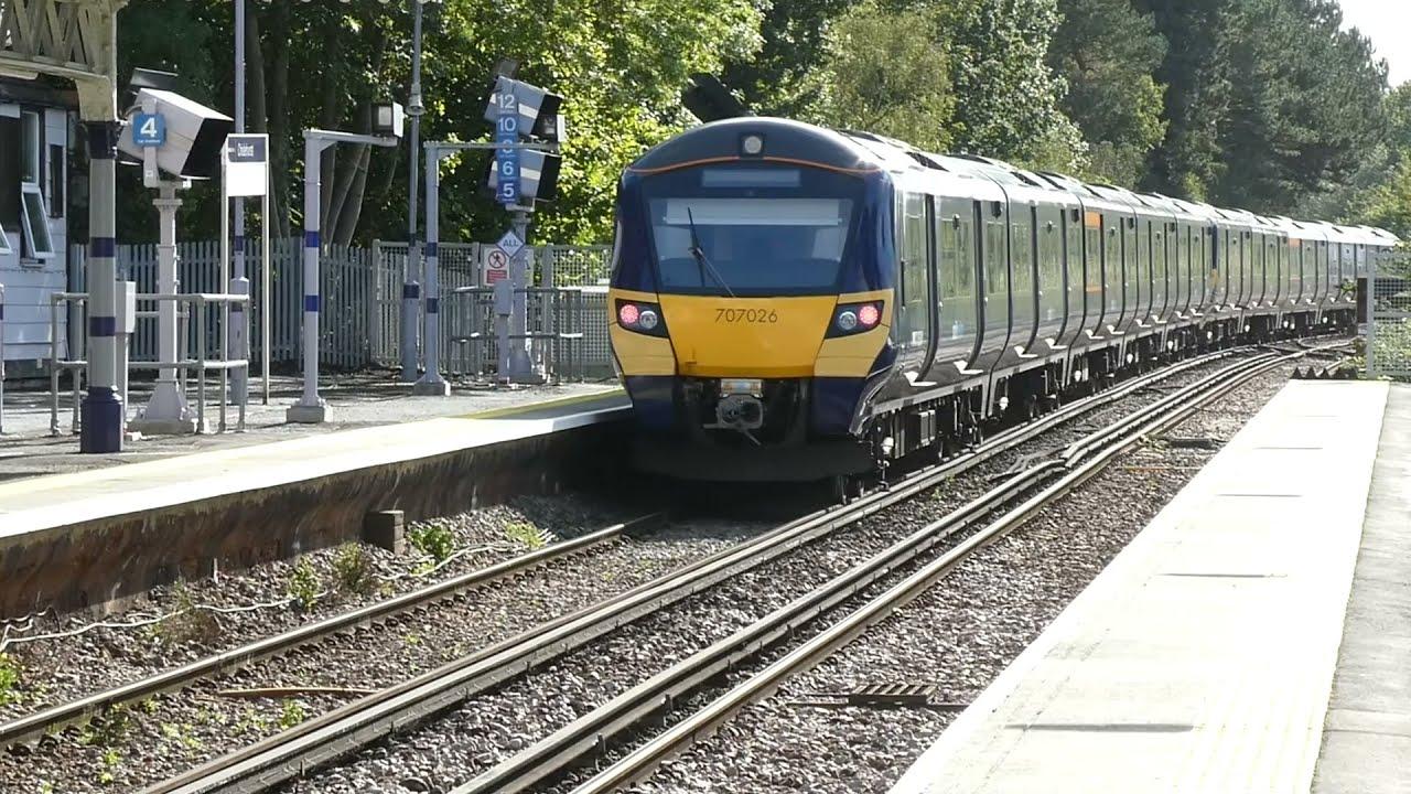 Trains at: Chislehurst - 4 October, 2021