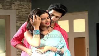 Tashan-e-Ishq: How Romantic! Hot Steamy Romance - Twinkle And Kunj - Latest Video