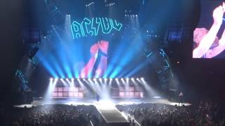 AC/DC -  Shoot To Thrill [Live in Chicago 02/17/2016]