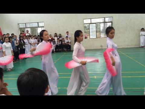 Đất nước lời ru 12A5 Trường THPT Nguyễn Trãi