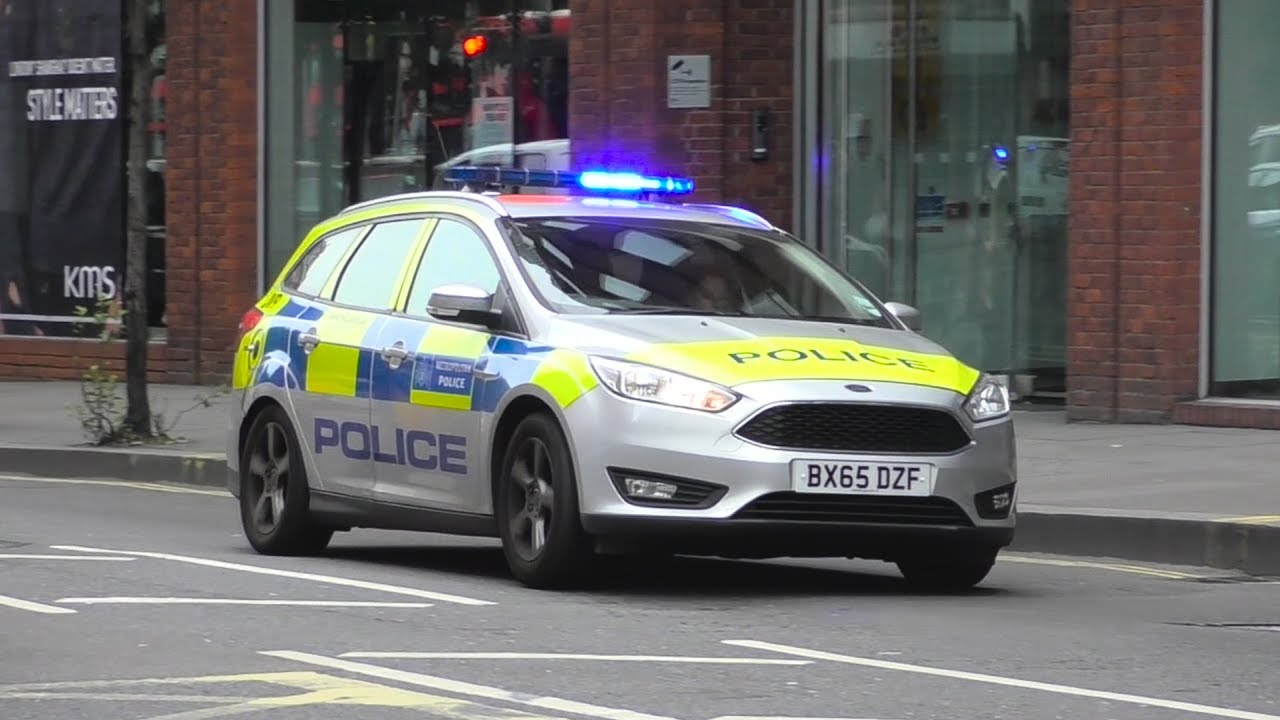 London Police Ford IRVs responding & London Police Ford IRVs responding - YouTube markmcfarlin.com