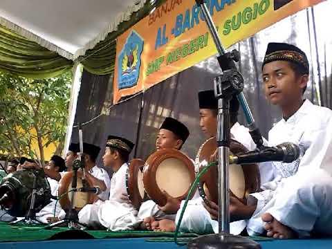 Banjari al-barokah (SMPN SUGIO 1)tampil saat bupati Lamongan sambang ke sugio