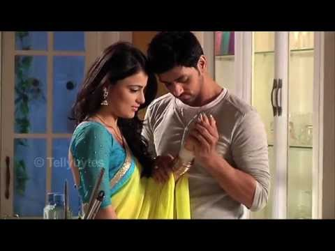 Meri Ashiqui Tumse Hi - Cute and Romantic Scenes between Ranveer and Ishani