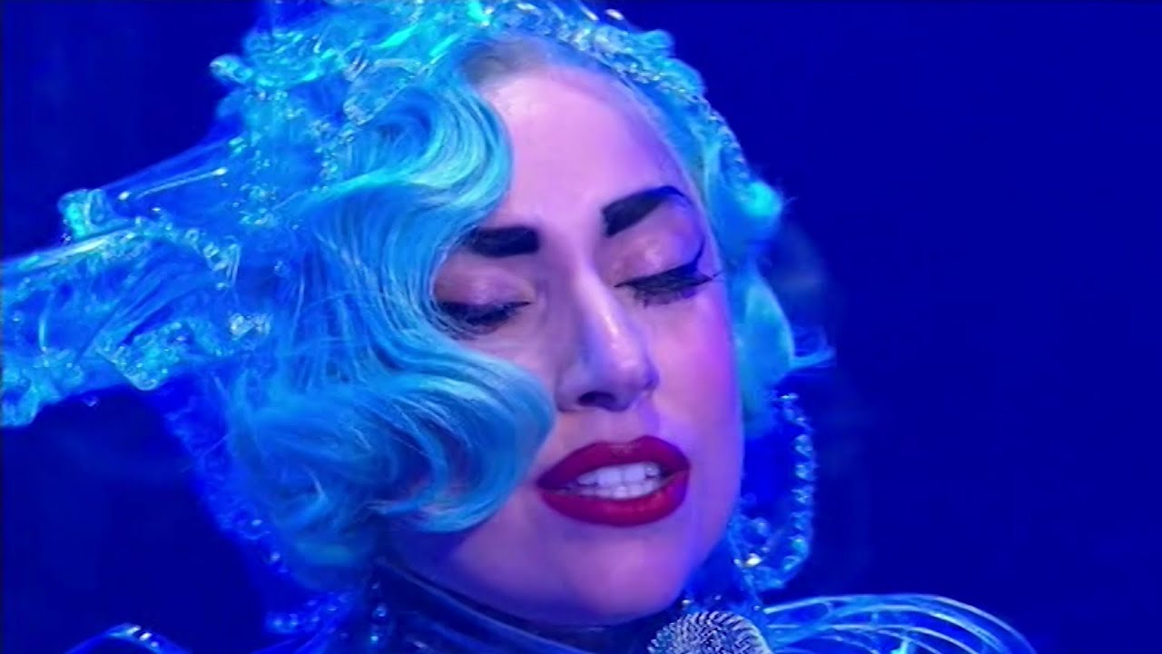 Lady Gaga - Born This Way + The Edge Of Glory + Yoü And I Live at A Current Affair (2011)