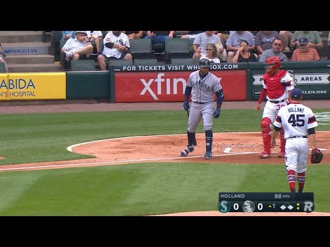 Cruz pretends to charge mound after HBP