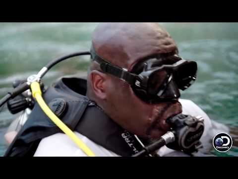 Shaq's First-Ever Shark Encounter | Shaq Does Shark Week