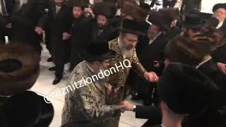 Viznitz Boro Park And London Rebbes Dancing At A wedding Tamuz 5779