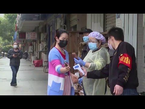 Китай прощается с карантином и возвращается к нормальной жизни.