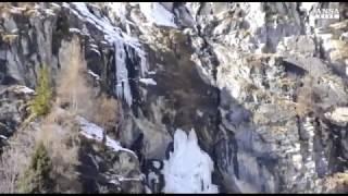 Si stacca cascata di ghiaccio in Valle d