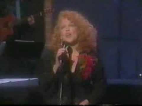 BETTE MIDLER - I think it´s gonna rain today (1988)
