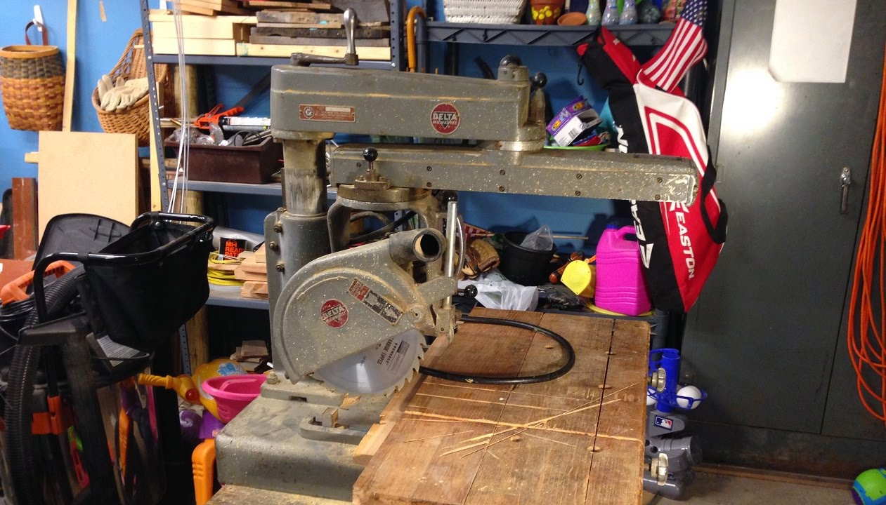 Delta Model 10 Deluxe Radial Arm Saw
